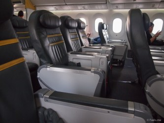 ScootBiz Boeing 787's seat configuration is 2-3-3.