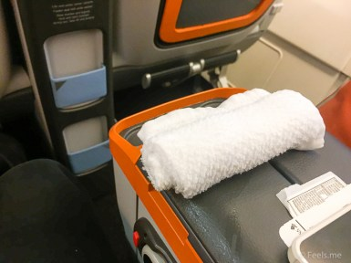 Singapore Airlines PVG SIN Premium Economy Warm welcome towel