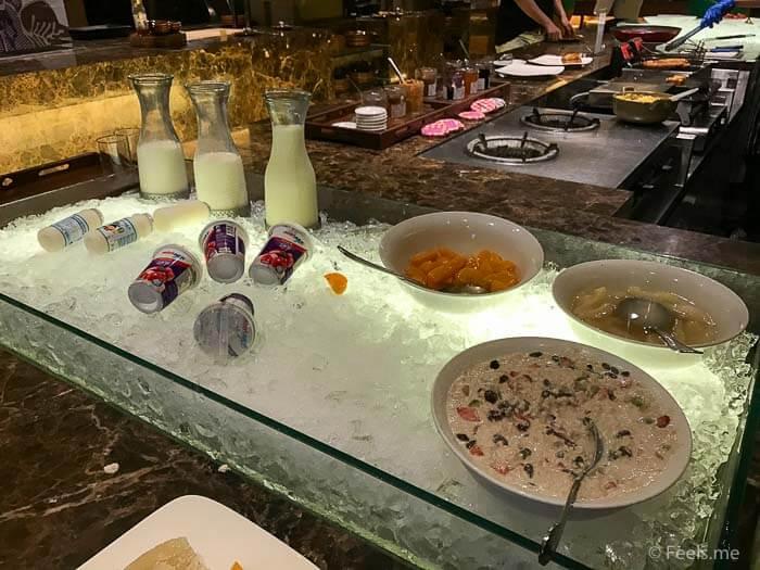 Hyatt Regency Kinabalu Breakfast Oats and Yogurt