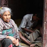 Leren over boeddhisme, Nepalese bruiloft en aankleedpop - week 12