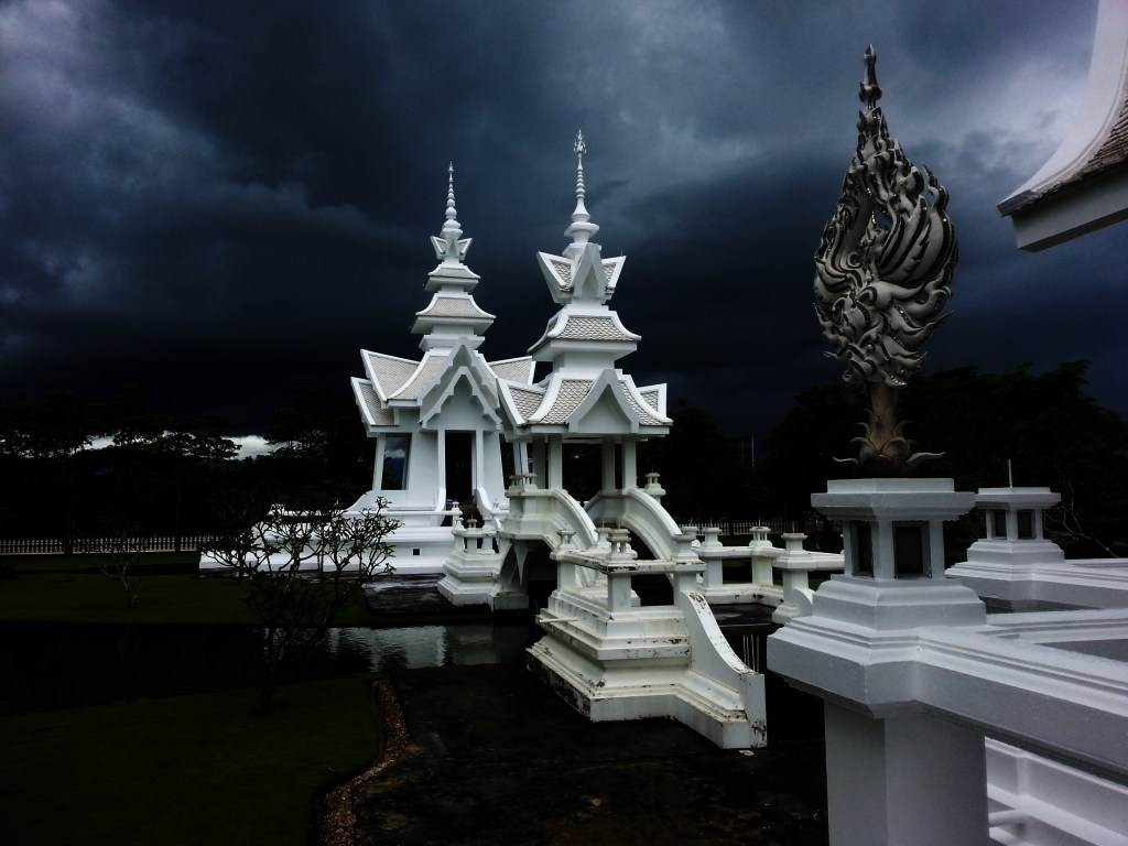 White buddhist temple - Rob Gregory Author