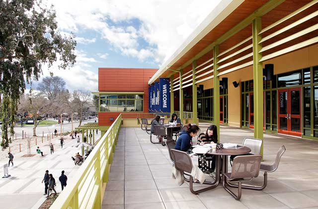 https://i2.wp.com/www.robaid.com/wp-content/gallery/architecture5/uc-davis-student-community-center-5.jpg