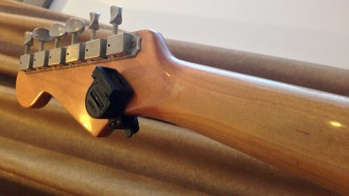 cvstrat-refinished-neck-lacquer