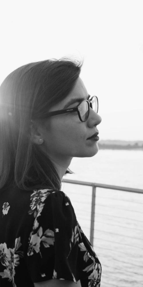 Roberta Finocchiaro - Black and White