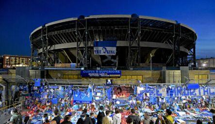 Stadio San Paolo, oggetti per Maradona