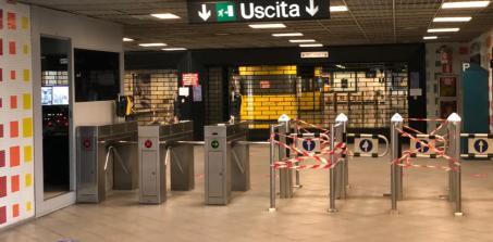 Stazione Piscinola, saracinesca