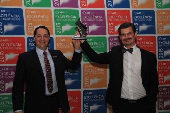 Ricardo Aguiar e Roberto Dias Duarte comemorando a conquista