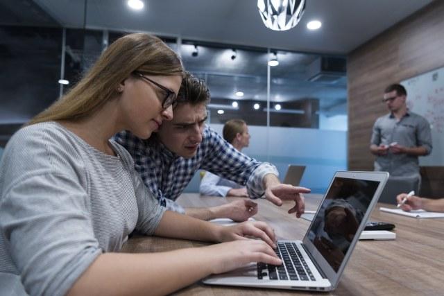 """Falar a língua do cliente e fugir do """"tecniquês"""" pode ser a diferença entre o sucesso ou não na venda consultiva de TI. Confira."""