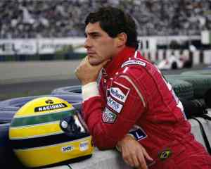 """""""Eu sou parte de uma equipe. Então, quando eu venço, não sou eu apenas quem vence. De certa forma termino o trabalho de um grupo enorme de pessoas."""" Ayrton Senna da Silva"""