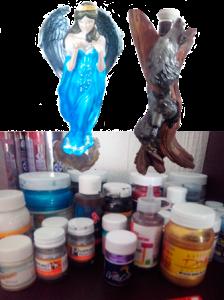 Ángel (2015): Técnica acrílico sobre cerámica.<br />Tronco con lobos (2013): Técnica acrílico sobre fibra de vidrio.<br />Obras y fotografías IE — 2016