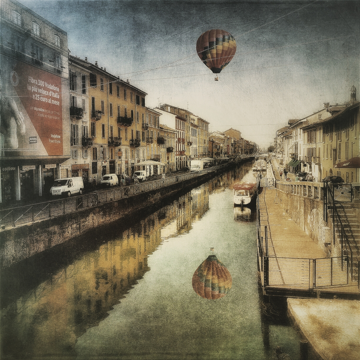 air balloon over the canal