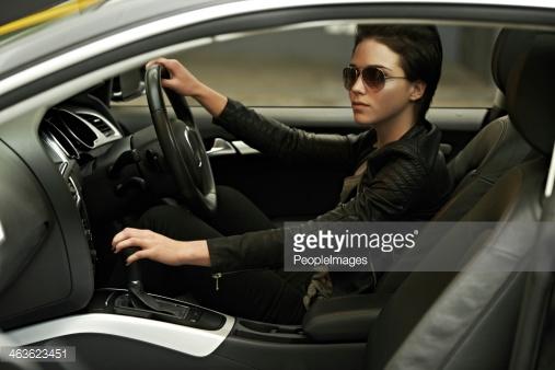 Le donne che non guidano l'auto