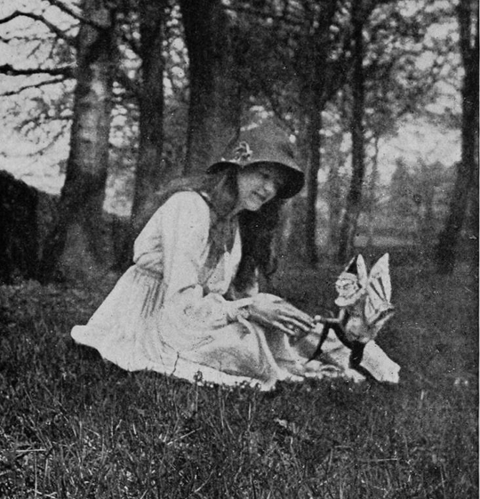 Elsie and the Gnome, featured in Conan Doyle's The Coming of the Fairies (1922) – Source