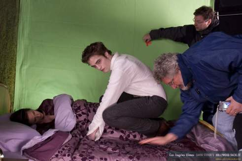 Rob & Kristen on New Moon set Apr 09