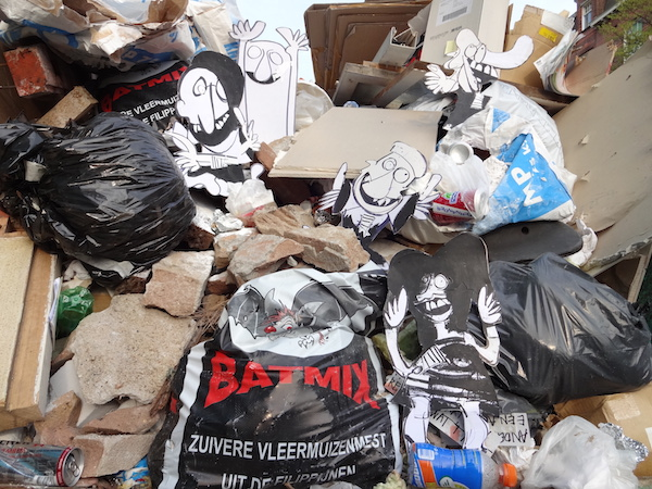 grof afval amsterdam, strip, cartoon, grof afval, container, sloop, vuilnis, bouwafval, puin afval, groen afval, stenen, hout, bouw, robert, pennekamp, amsterdam, ophalen