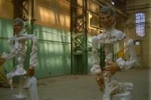 Bush, beeld, kunst, tegen, voor, politiek, geestelijk afval, robert, pennekamp, limburgs museum, venlo, beelden, van Gendthallen, Amsterdam, 2003