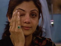 shilpa shetty crying