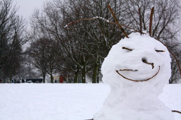 A manic snow-person on Hilly Fields, Lewisham