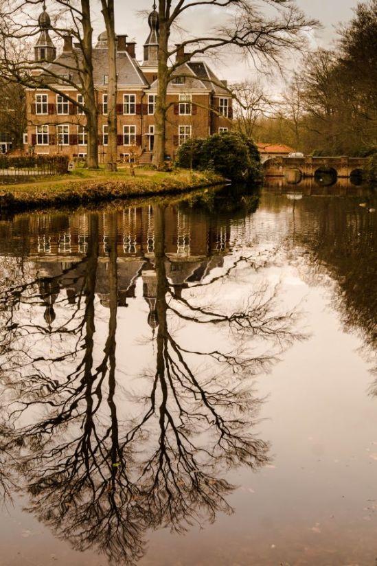 Kasteel de Essenburgh, Hierden, spiegeling