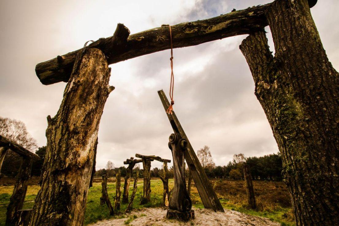 Woodhenge - De tijd, Putten