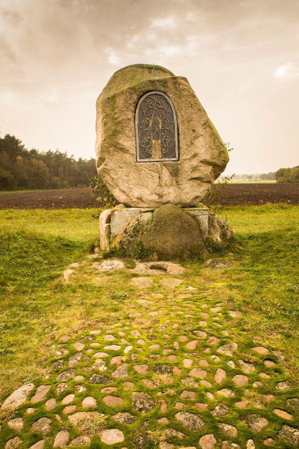 Zwarte Madonna in het Steinkreis, Werpeloh