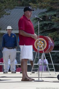Keith Hobbs, Mayor of Thunder Bay, addressed the crowd.