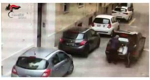 Matera, casa a luci rosse scoperta dai Carabinieri – Video