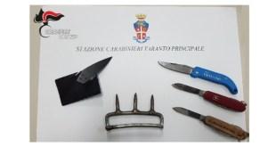 Taranto, entrano nel Tribunale con coltelli e tirapugni, 5 denunciati