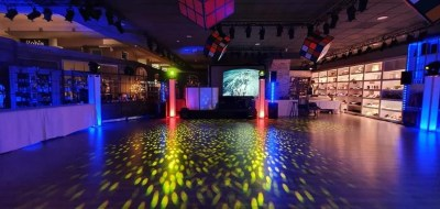 Dj - Event Venue - Christmas and End Year Dinner Parties 2019 - Come à la Maison - Robin du Lac Concept Store - Luxembourg (9)