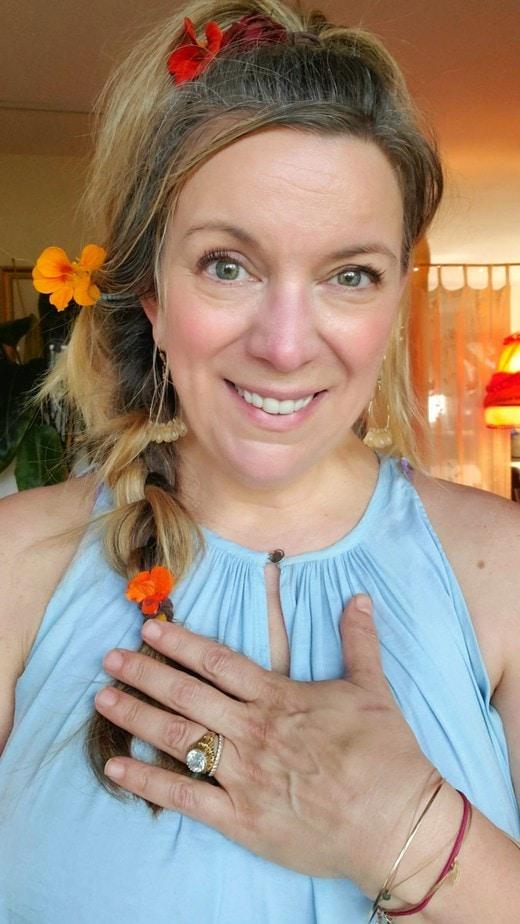 Robin Hallett, Intuitive Healer