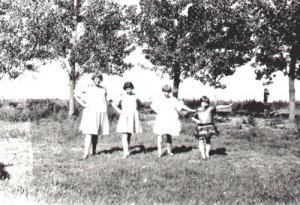 sisters_on_farm