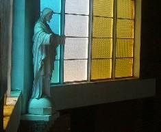 Regina Mundi statue