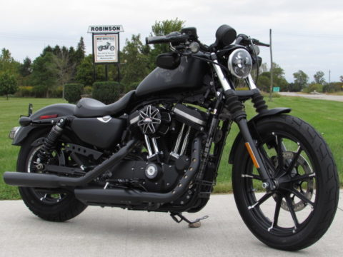 2017 Harley-Davidson XL883N Sportster Iron  Save $5,000* - 3,900 KM - ABS Brakes - $4,000 in Customizing