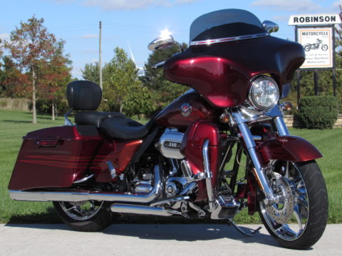 2013 Harley-Davidson CVO Road King FLHRSE   110 Screamin Eagle - $52 week - Quick Detach Fairing - Tru-Duals