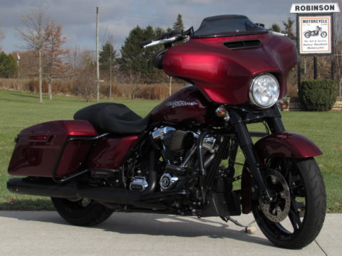 2017 Harley-Davidson Street Glide Special FLHXS   - $8,000 in Customizing - ONLY 5,600 miles