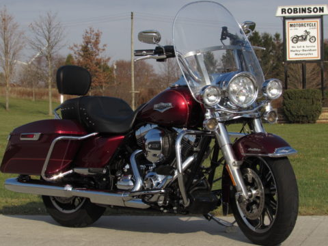 2016 Harley-Davidson Road King FLHR   - 18,400 Local KM -