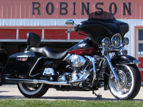 2005 Harley-Davidson Road King Classic FLHRCi  - Over $8,000 in Customizing