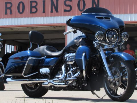 2018 Harley-Davidson Street Glide Special FLHXS   115th Anniversary - Local 8,300 KM - $18,000 in options - HD Warranty