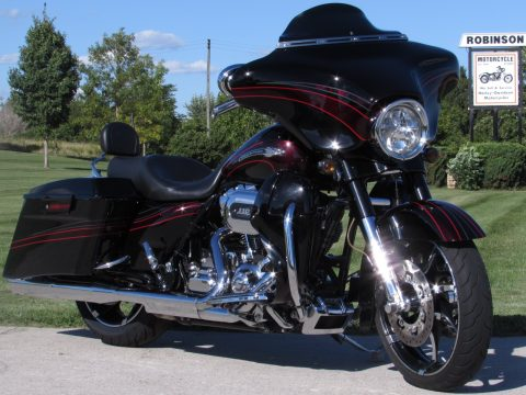 2011 Harley-Davidson CVO Street Glide FLHXSE   Screamin' Eagle 110 - 3 Year Warr - $50 Week - Xotic Adj Rear Air