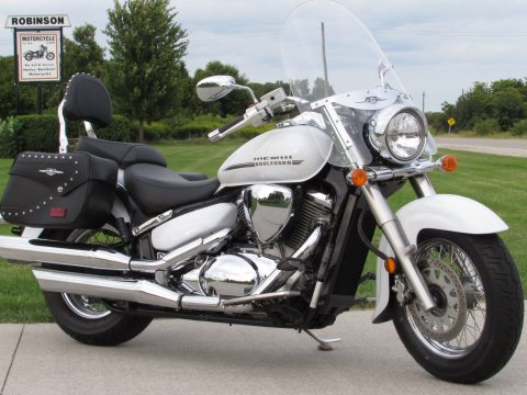 2017 Suzuki Boulevard C50T  $25 week - ONLY 8,500 KM - Like out of the Crate