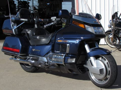 1988 Honda GL 1500 Gold Wing  - 125,900 Kilometers - Low $2,950 cash deal - Or $3,350 Financed