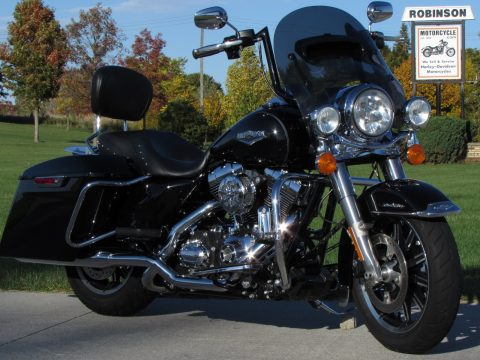 2014 Harley-Davidson Road King FLHR   - Custom Handle bars - $38 week - Tru-dual Rinehart - Low miles