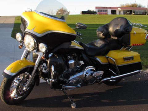 2012 Harley-Davidson CVO ULTRA FLHTCUSE   110 Screamin Eagle - $39 Week and 3 Year Warranty