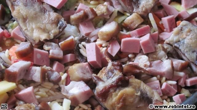 Tocăniță de legume înăbușite la cuptor cu afumătură - înainte de înăbușire la cuptor
