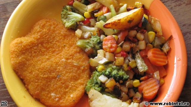 Șnițel de pui cu legume dulci și delicioase, la tavă