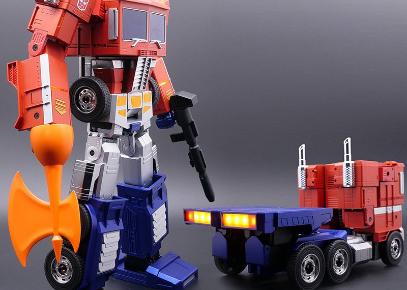 The #1 Powerful Auto-converting Transformer – Optimus Prime is Coming!