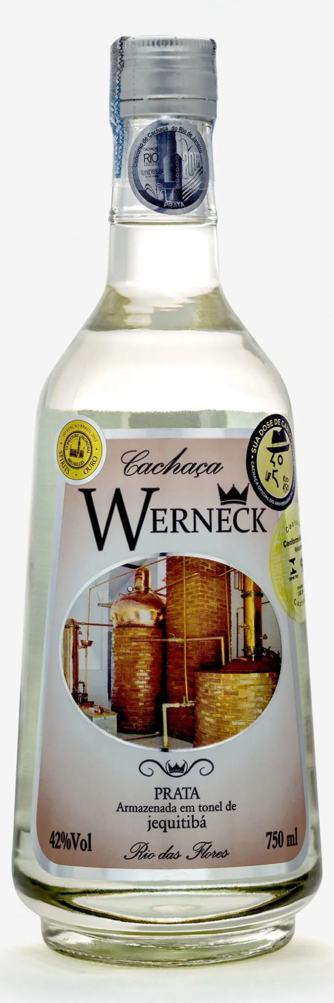 Cachaça Werneck Prata rests for a minimum of eight months in vats made out of Brazilian Jequitibá wood.