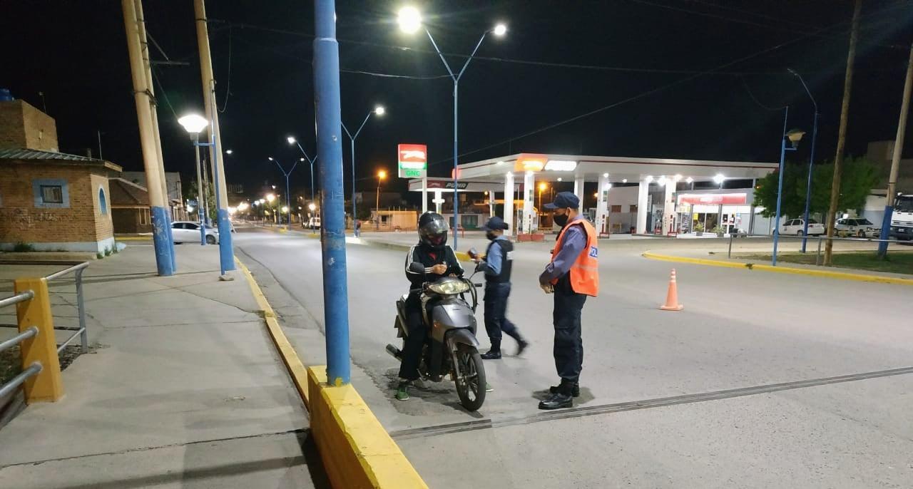 Controles nocturnos en la provincia en el marco de las restricciones de circulación