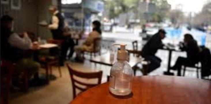 ¿Cómo funcionan los bares y restaurantes con las nuevas restricciones?