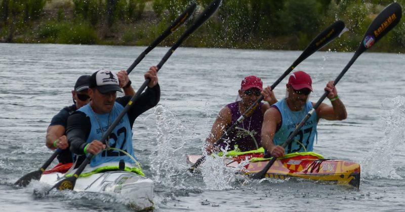 Con 100 botes y 160 palistas se larga la edición XLV de la Regata del río Negro